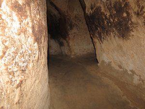 8735040-c-chi-tunnels-0