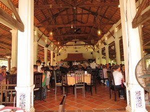 8735045-outdoor-dining-hall-for-lunch-0
